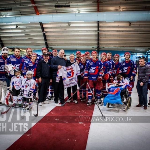 #icehockey Special presentation to Equipment Manager Joe Gibson - Photo @masspix